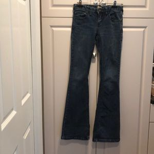 Free people 27 inch waist flare leg jeans 32 in lg